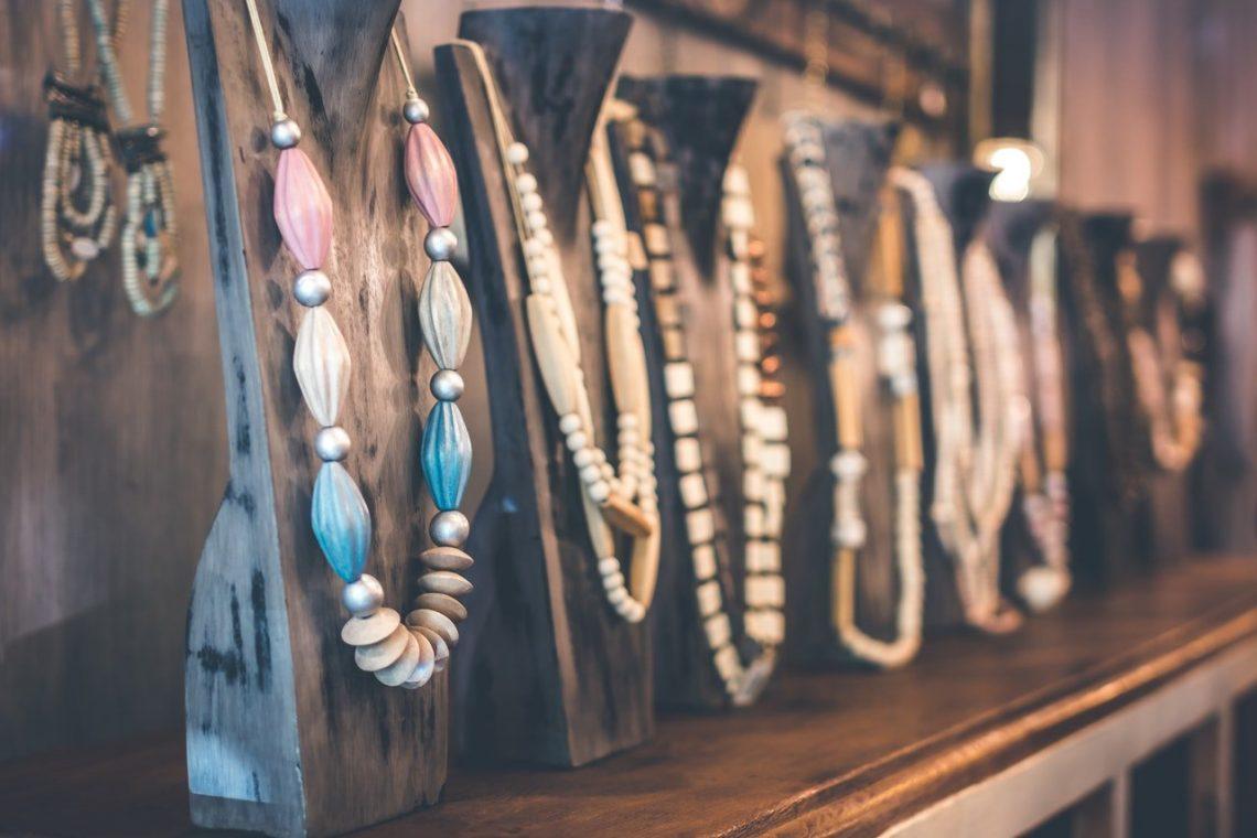 la particularité du bracelet mala tibétain